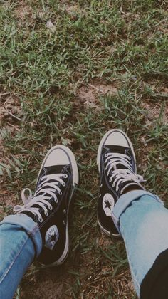 Cute Converse, Converse Sneakers, Converse All Star, High Top Sneakers, Chuck Taylor Sneakers, Glow, Ootd, Lifestyle, Photography