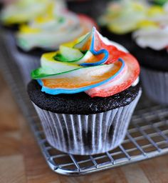Mel's Kitchen Cafe | Tie-Dye Frosting for Cupcakes {a How-To}