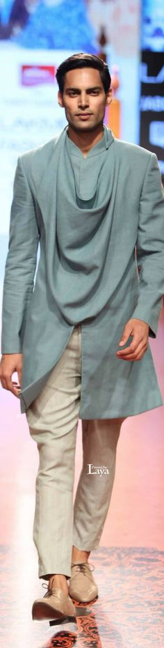 Wedding suits men indian tarun tahiliani Ideas for 2019 Mens Indian Wear, Mens Ethnic Wear, Indian Groom Wear, Indian Men Fashion, Indian Man, Boy Fashion, African Fashion, Mens Fashion, Boys Kurta
