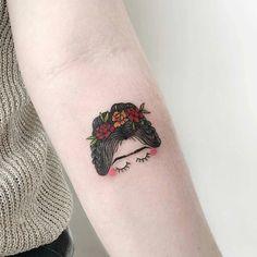 Que tal essa tatuagem de Frida?