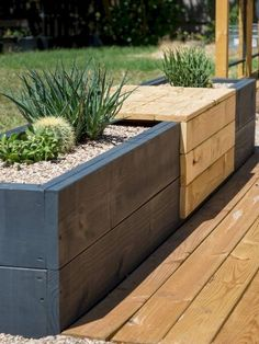 67 Beautiful Small Backyard Landscaping Ideas 2019 Midcentury modern styled built-in bench with planters for succulents. The post 67 Beautiful Small Backyard Landscaping Ideas 2019 appeared first on Backyard Diy. Diy Garden, Garden Projects, Indoor Garden, Outdoor Gardens, Garden Cottage, Garden Table, Garden Planters, Garden Seats, Garden Terrarium