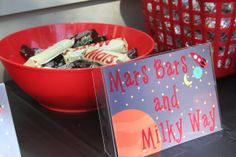 mini mars bars and milky ways - obviously! 4th Birthday Parties, Birthday Fun, Birthday Ideas, Astronaut Party, Outer Space Party, Holiday Club, Moon Party, Space Activities, Star Wars Birthday