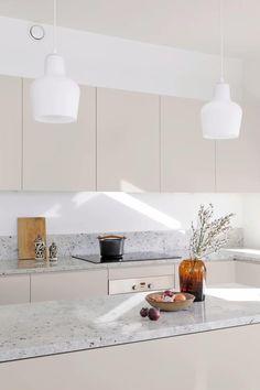 Kitchen Room Design, Modern Kitchen Design, Home Decor Kitchen, Interior Design Kitchen, Home Kitchens, Small Modern Kitchens, Nordic Interior Design, Condo Kitchen, Luxury Kitchens