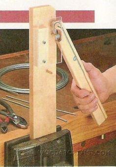 Router Cut Columns - Woodworking Tips and Techniques - Woodwork, Woodworking, Woodworking Plans, Woodworking Projects Woodworking Basics, Woodworking Projects That Sell, Woodworking Techniques, Woodworking Jigs, Carpentry, Metal Tools, Wood Tools, Metal Bending, Spoon Bending