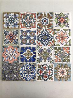 China Painting, Ceramic Painting, Tile Patterns, Print Patterns, Moroccan Art, Art Nouveau Tiles, Paint Your Own Pottery, Pillow Inspiration, Floor Art