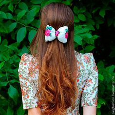 Buy or order Hairpin bow 'Rosie' white with roses russian style for girls for hair in online shops on My Livemaster. Charming barrette bow-out of the warm, dense tissue type pavloposadskie shawl with a floral pattern. The main color is white, the flowers and leaves - green, red, hot pink. Myagenkaya bow, lightweight, packed inside so perfectly keeps its shape. It looks very romantic, original and feminine. WARNING - barrette is not designed for large strands of hair.