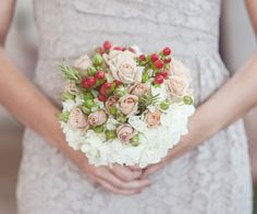 Spray rose & hypericum bouquet  (Flowers by Lee Forrest Design, photo by: Bella Allure Imagery)