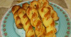 Οικονομικές νόστιμες γρήγορες εύκολες συνταγέςμε όλα τα μυστικά τους βήμα βήμα Greek Desserts, Greek Recipes, Greek Cooking, Biscuit Cookies, Biscuits, Food And Drink, Bread, Vegetables, Pastries