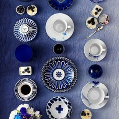 What's so bad about the January blues? Take a look at our wedding colour trend of gorgeous inky shades. Photo via Wit & Delight