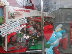Fake Lego with freakin' Vodafone ad...thank you China:/