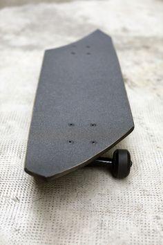 Monolith Skate by Reynald Drouhin