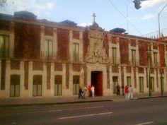 Best Western #Hotel de Cortés es uno de los últimos edificios coloniales que posee la tradicional arquitectura preservados en de la Ciudad de #México