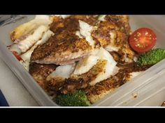 Blackened Tilapia Recipe (Bodybuilding Friendly) Food Out, Good Food, Blackened Tilapia, Apple Cider Vinegar Detox, Diy Snacks, Tilapia Recipes, Spice Things Up, Seafood, Bodybuilding