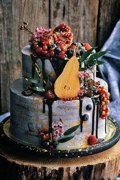100 Pretty Wedding Cakes To Inspire You - wedding cake ideas cake decorating recipes kuchen kindergeburtstag cakes ideas Pretty Wedding Cakes, Pretty Cakes, Cake Wedding, Wedding Themes, Wedding Colors, Unusual Wedding Cakes, Wedding Cake Flavors, Wedding Ideas, Wedding Desserts