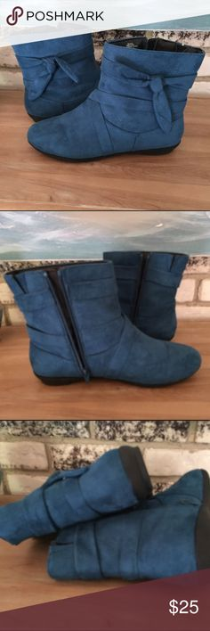 COMFORTVIEW Women's Teal Booties - Size 12 Lightly used, in great condition. These zip booties are a beautiful true Teal color, but for some reason my camera would only pick up the blue tone.  Manmade faux suede with inside zippers. 'Tie' accents on the outside. Soles are very lightly worn. Need to clear out some of my footwear, so here's an opportunity for fellow Poshers who have a hard time finding large sizes! Comfortview Shoes Ankle Boots & Booties
