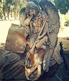 condivide lo scatto di @mad_87_ .. _  Tag #cimiteri_monumentali_  _  congratulazioni @mad_87_ _  Repost, also temporary, is appreciated _ _______________________________________ _  _ #beniculturali30 #featuremeinstagood #royalsnappingartists  #sculpture #browsingitaly #finearts #artofvisuals #moodygrams #transfer_visions  #gothic #seetoshare #blackandwhitephotography #exploreeverything #arthistory #artlovers #whatitalyis #welltravelled  #volgoitalia  #seetoshare #wanderlust #sardegnagra