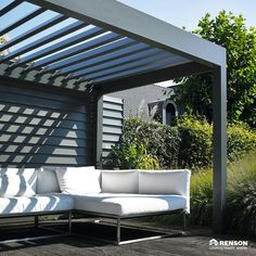 The high-quality terrace covering Algarve® by Renson® offers optimal protection against sun and rain with Pergola Sun Shade, Patio Shade, Deck With Pergola, Diy Pergola, Pergola Plans, Pergola Ideas, Patio Swing, Patio Canopy, Canopy Outdoor
