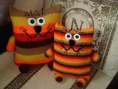 getImage Вязаные подушки «Котики»