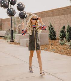 Tween Fashion, Fashion 101, Fashion Addict, Fashion Clothes, Artistic Fashion Photography, Teen Photography, Girl Photo Shoots, Girl Photos, Teen Birthday