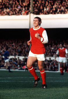Arsenal Players, Arsenal Football, Arsenal Fc, Football Jerseys, Football Pictures, Old Boys, Stock Pictures, Good Old, Image Collection