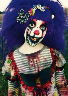 Come & see us and our wonderful. Halloween Circus, Creepy Halloween, Halloween 2017, Halloween Cosplay, Halloween Make Up, Halloween Party, Halloween Costumes, Scary Clown Makeup, Creepy Clown