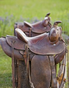 Western Saddle --- a cowboy's office chair. Our office chair! Cowboy Gear, Cowboy And Cowgirl, Cowgirl Style, Western Style, Horse Saddles, Horse Tack, Western Saddles, Horse Stalls, Horse Barns