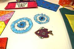 Escarapelas y decoraciones adhesivas