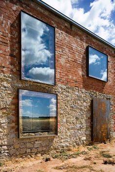 windows / bricks / stone / old–new / Le Manoosh: Photo