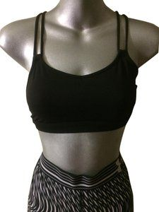 Lululemon Black Performance Dual Straps Mesh Training Activewear Sports Bra Size 4 (S) Sports Bra Sizing, Mesh Fabric, Hot Pink, Lululemon, Active Wear, Crop Tops, Stylish, Final Sale, Sale Items