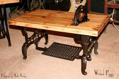 This is a treadle table I made. An old White sewing machine base and pallet wood. by Lynne Walters Old Sewing Machine Table, White Sewing Machine, Sewing Machine Projects, Treadle Sewing Machines, Antique Sewing Machines, Sewing Table, Primitive Furniture, Repurposed Furniture, Wood Pallets