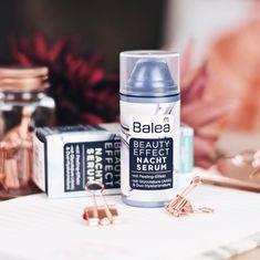Abends zelebriere ich meinen Pflege-Routine immer 😌 unter anderem kommt dieses Serum aus der #BeautyEffect Reihe von @dm_balea zum Einsatz 👌🏼 es verhilft mir zu einem ebenmäßigen Hautbild ☺️ www.bibifashionable.at 💻📄📱 #bibifashionable #werbung #prsample #balea #drugstore #skincare #skincareroutine