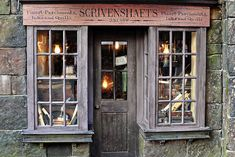 Scrivenshafts Writing Tools Shop, Harry Potter World. I absolutely LOVE this facade! So quaint! Zigarren Lounges, Hogwarts, Diagon Alley, Shop Fronts, Harry Potter World, Jolie Photo, Book Nooks, Quilling, Dandy