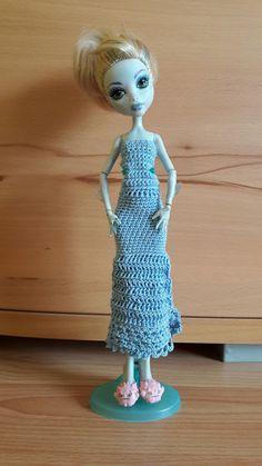 Monster high Kleid selbst gehäkelt.