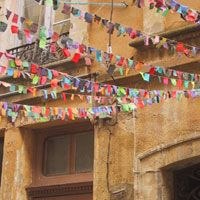 Garlands by Sophie Cuvelier