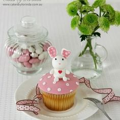 Cupcakes - Cakes by Lorinda