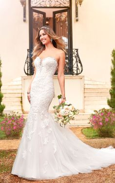 Bridal Gown Available at Ella Park Bridal | Newburgh, IN | 812.853.1800 | Stella York - Style 6502