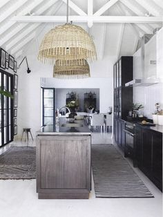 Creating a Tropical Bathroom on a Budget Black Kitchens, Home Kitchens, Kitchen White, Nice Kitchen, Open Kitchen, Rustic Kitchen, Kitchen Ideas, Scandinavian Modern, Home Design
