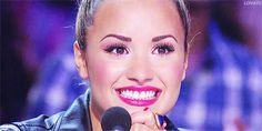 smiley Demi <3