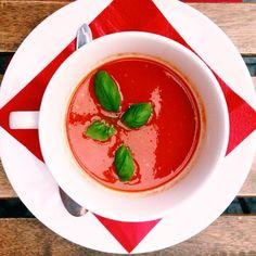 Zupa pomidorowa #letarg #letargbistro #tomato #tomatosoup #soup #red #vegetables #food #foodporn #instafood #foodgasm #yummy #tasty #poznan #instadaily #instamood #vsco #vscocam #vscolovers