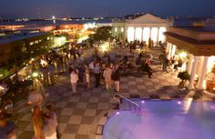 Market Pavillion Hotel, Charleston, SC: I lived in downtown CHS for 8 years. This place has The Best rooftop views. Views of the cooper River, The Bridge, The Market and amazing sunsets. Also excellent pretty people watching.