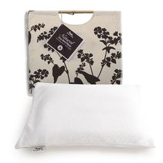 Small Duo Bed Pillow - nice packaging/tote bag for hanging display, customer can re-use , and it shows fabric feel  Buckwheat & Millet Together at Last! A smaller version of the Duo Bed Pillow. Our patented double-chamber design has Buckwheat Hulls on one side and Millet Hulls on the other. Buckwheat's stable support combined with Millet's silky-softness feels like liquid velvet! Maintains correct spinal alignment. Removable machine washable pillowcase included. Packaged in an eco-friendly…