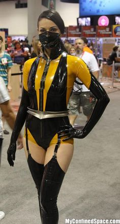 Masked Silk Spectre the watchmen Mortal Kombat Gaming cosplay Comic Books