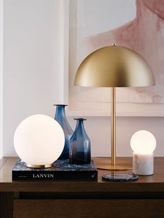 CONTEMPORARY ACCESSORIES | Large Round Table Lamp in White/Brass , and small bulbsC