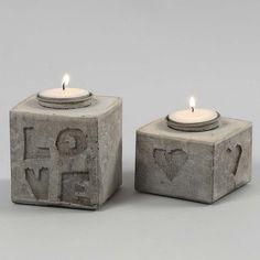 Gjutna ljusstakar med bokstäver och motiv i relief   Pysseltips