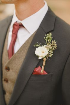 Vintage groom look with brown vest and maroon tie. Perfect groom attire for a Fa… Vintage groom look with brown vest and maroon tie. Perfect groom attire for a Fall or Winter wedding! Fall Groom Attire, Fall Wedding Attire, Rustic Groomsmen Attire, Fall Wedding Groomsmen, Wedding Vest, Maroon Wedding, Wedding Suits, Groom Suits, Mens Attire