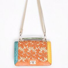 Spring bag!!! Love urban outfitters