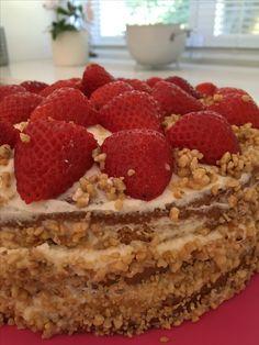 Motherinlow birthday cake..... #strawberriespassion