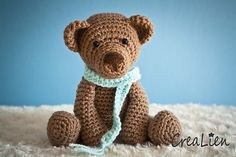 Bear Bob - Crochet animal | Traditional Teddybear / teddy | toy / doll / amigurumi / softy / softies pattern by Eline Wulfert