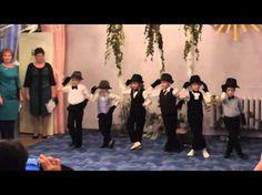 """Детский сад. Выпускной: """"Танец Джентельменов"""" - YouTube"""