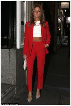 Look Fashion, Trendy Fashion, Womens Fashion, Trendy Style, Red Fashion Outfits, Fashion Sale, Fashion Outlet, Lolita Fashion, 80s Fashion